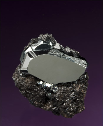 hematite miniature with hausmannite N'Chwaning South Africa